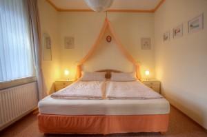 Whg. 5 - Schlafzimmer