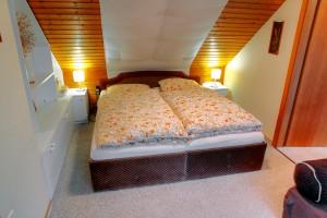 Whg. 6 - Schlafzimmer